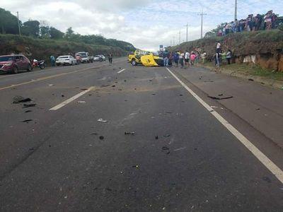 Choque entre ómnibus y camioneta dejó un fallecido en Arroyos y Esteros
