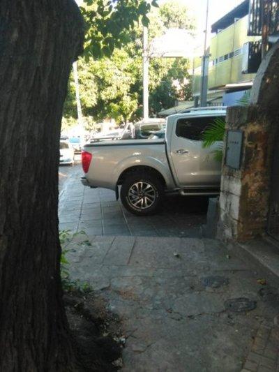 Veredas usurpadas por conductores