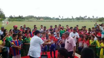 Con éxito concluye torneo de escuelas de fútbol en Loreto