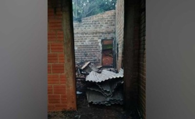 Quedan en la calle tras incendio de su vivienda
