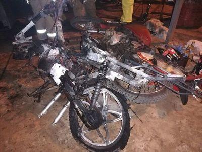 Queman taller de motos en San Antonio