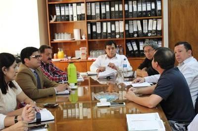 Tras escándalo por reducción de camas en hospital de Hernandarias, deciden contratar profesionales