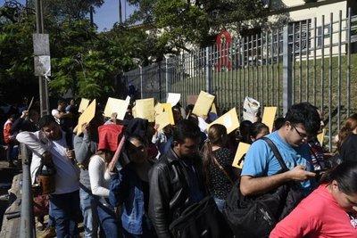 Cientos buscan un puesto en Atención Primaria de la Salud