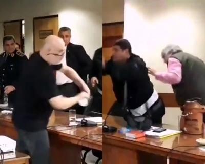Payo Cubas y Lugo se derraman agua en el senado