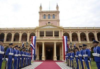 Mandatario tomó juramento a nuevo embajador ante Brasil