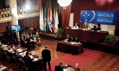 Fracasa maniobra para sepultar proyecto que suprime a los parlasurianos – Prensa 5