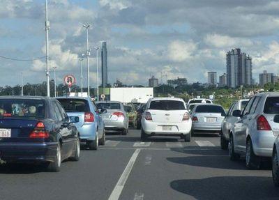 Un horario escalonado podría ser la solución para el desesperante tráfico