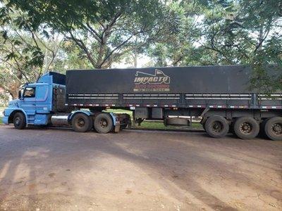 Rescatan en Pedro Juan Caballero camión robado en Brasil