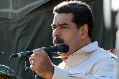 """Maduro dice que el vicepresidente de EE.UU. hizo el """"ridículo"""" ante la ONU"""