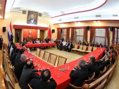 Senadores y diputados colorados se reunieron en busca de la unidad