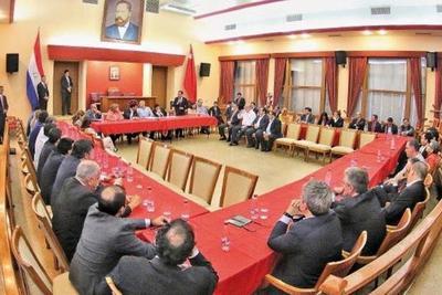 Cartistas y abdistas se reunieron por primera vez en la Junta de Gobierno