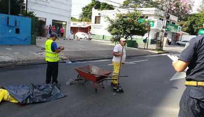 Funcionaria de Aseo Urbano muere arrollada por un camión