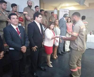 SNPP capacitó a 150 operarios de empresa de refrescos