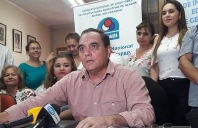 """HOY / Falta de insumos y escuelas sucias: directores ponen """"ultimátum"""" al MEC"""