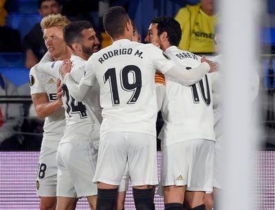 Valencia somete a Villarreal y encamina la serie sobre el final