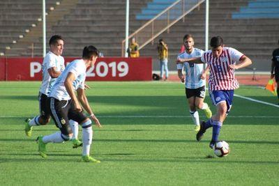 Paraguay cae goleado, pero sigue en zona mundialista