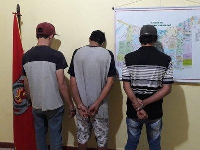 Detenidos con marihuana y motocicletas robadas