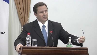 Mario Abdo firma el decreto y Martínez Simón asume como ministro de la Corte