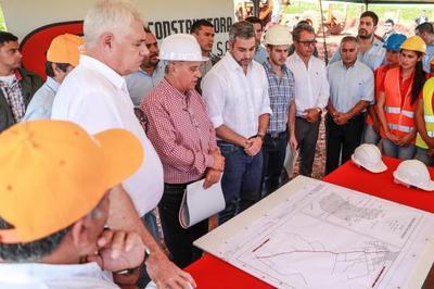 Verifican avances en obras de rehabilitación de caminos vecinales