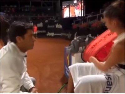 Polémica por humillante regaño de un entrenador a una tenista