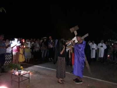 Barrio Azucena: Inician la Semana Santa con la celebración del Vía Crusis. – Prensa 5