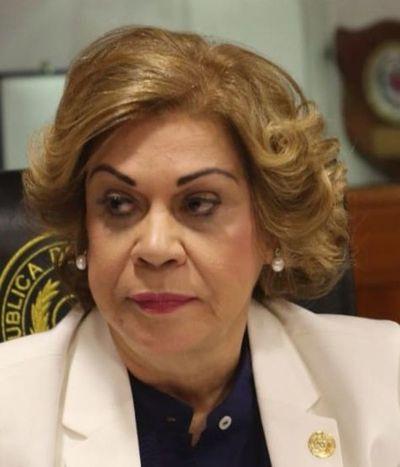 """Corte dilata expedirse sobre acción presentada por la """"niñera de oro"""""""