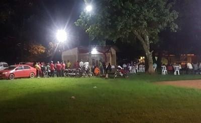 Escasa concurrencia en manifestación contra intendente de Tavapy