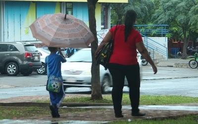 Anuncian domingo caluroso y con lluvias