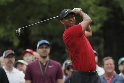 Woods gana Masters y pone fin a sequía de 11 años sin un título en un torneo mayor