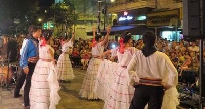 """HOY / Llega la décima edición de """"El folklore sale a las calles"""""""