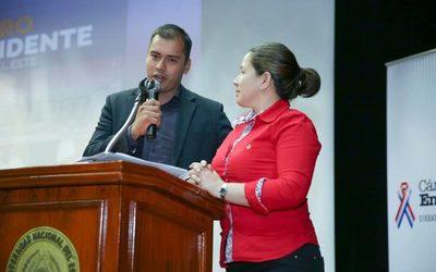 Miguel Prieto se solidarizó con candidata que no fue invitada para el debate en la UNE