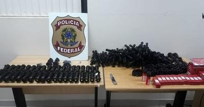 Federales requisan accesorios para armas de fuego