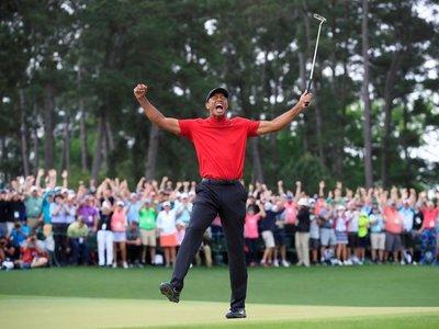 Tiger Woods vuelve a hacer historia