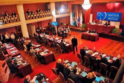 Países del Mercosur suspenden elecciones directas de miembros del Parlasur