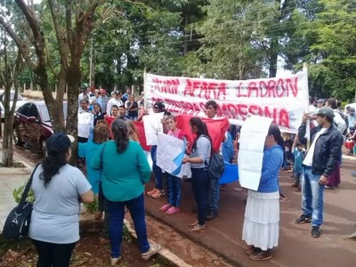 CAMPESINOS SE MANIFIESTAN CONTRA AFARA EN TOMÁS ROMERO PEREIRA
