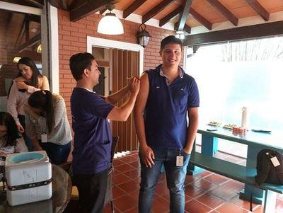 IPS aplica vacuna antigripal a funcionarios en sus puestos laborales