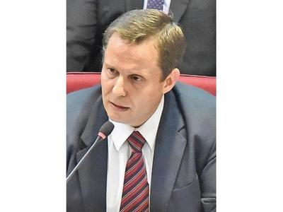 Congreso tomará juramento hoy a Martínez Simón