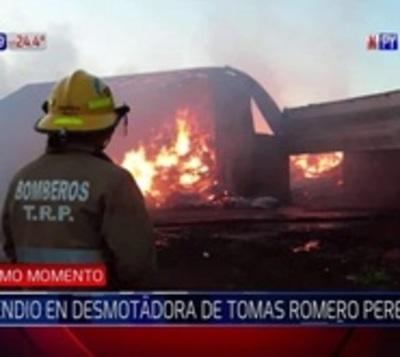 Cientos quedan sin trabajo tras incendio de desmotadora en Itapúa