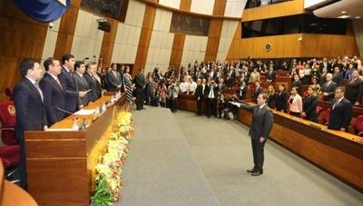 Martínez Simón ya es ministro de la Corte