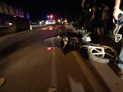 Mujer fallece en accidente de tránsito en Carapeguá