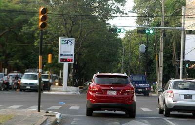 Comuna capitalina retirará semáforos led tras una falla que ocasiona accidente fatal