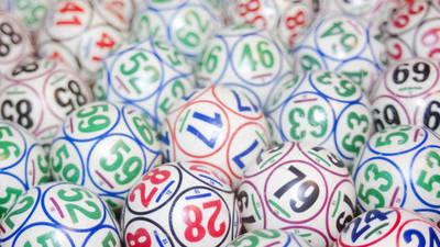 Exige premio de lotería que ganó hace 14 años