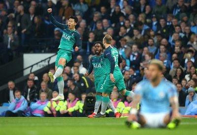 Manchester City gana, pero avanza el Tottenham