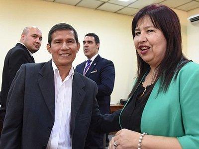 UNA: Instan a rectora a evitar repartir cargos como Froilán