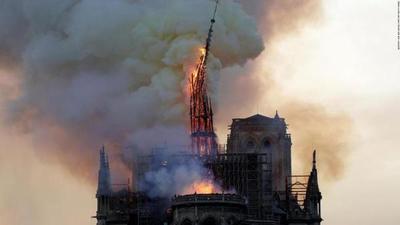 """Construirán una catedral """"efímera"""" de madera delante de Notre Dame"""