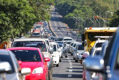 Jueves Santo con tráfico pesado en ruta
