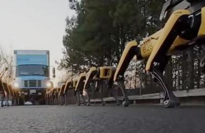 Video muestra la fuerza de los 'perros robots' que remolcan un camión
