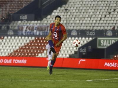 Julio Dos Santos volvería a defender el escudo azulgrana en un superclásico