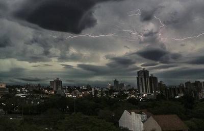 HOY / Pronostican llegada de lluvias y tormentas eléctricas para mañana