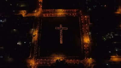 """""""Camino de las luces"""" atrajo miles de feligreses en Concepción"""